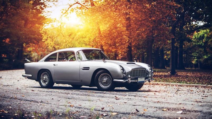 Old Aston Martin Db5 Hd Wallpaper Wallpaperfx