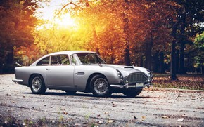 Old Aston Martin DB5 wallpaper