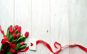 Tulips and Card Gift wallpaper
