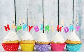 Happy Birthday Cupcakes wallpaper