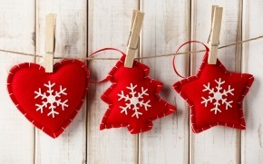 Handmade Red Christmas Ornaments wallpaper