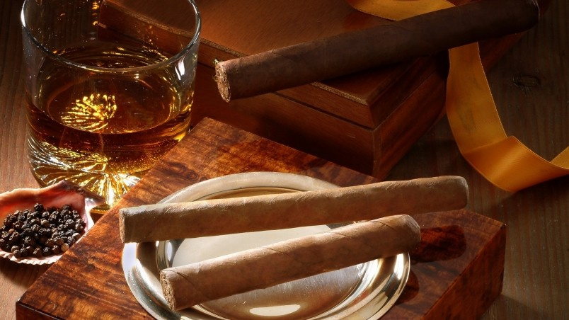 Whiskey and Cigars wallpaper