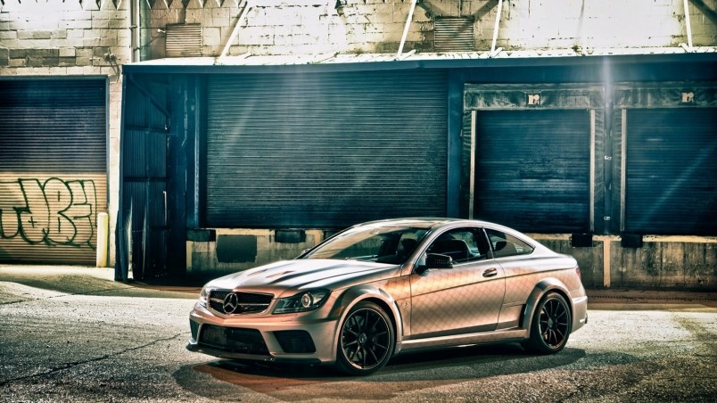 Mercedes Benz C63 Amg Hd Wallpaper Wallpaperfx