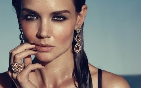 Beautiful Katie Holmes wallpaper