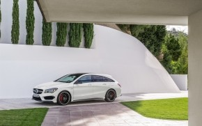 Mercedes CLA 45 AMG 2015 wallpaper
