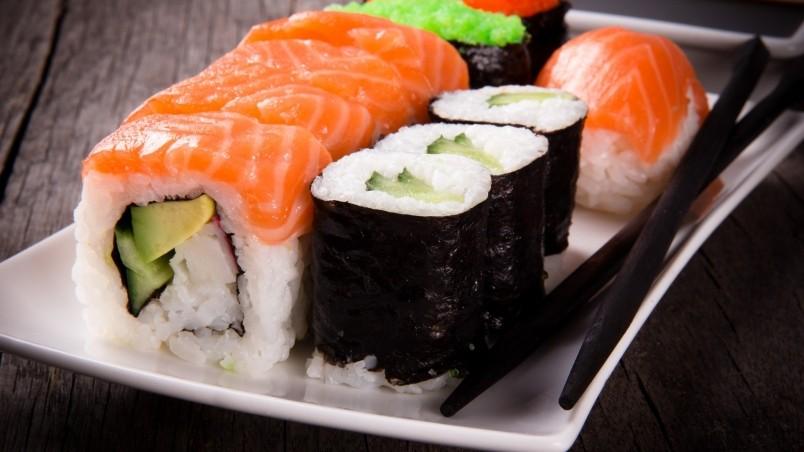 Sushi Rolls HD Wallpaper - WallpaperFX