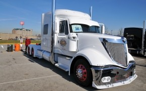 International Lonestar Truck wallpaper