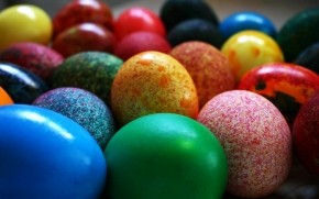 Painted Easter Eggs Close Up wallpaper