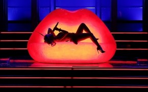 Kylie Minogue Performance  wallpaper