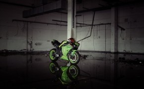 Green Yamaha YZF R1  wallpaper