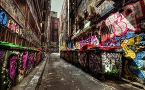 Graffiti Everywhere wallpaper