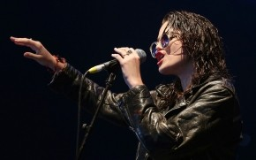 Sky Ferreira Performing wallpaper