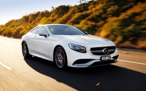 White Mercedes Benz S63 AMG wallpaper