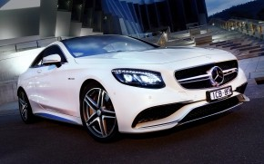 Mercedes Benz S63 AMG 2015 wallpaper