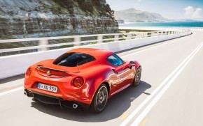 Alfa Romeo 4C Highway wallpaper