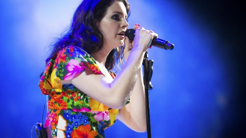 Lana Del Rey Performing Coachella wallpaper