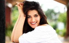 Gorgeous Kriti Sanon wallpaper