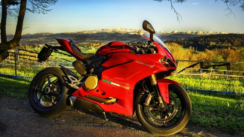 Stunning Red Ducati  wallpaper