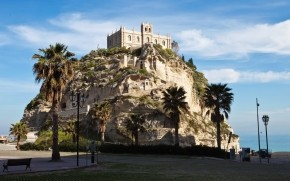 Tropea Castle View wallpaper