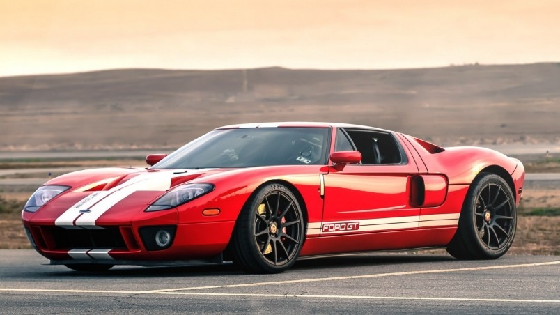Red Retro Ford Gt Wallpaper