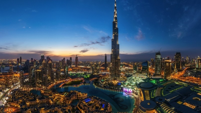 Night lights in dubai hd wallpaper wallpaperfx for Home wallpaper uae