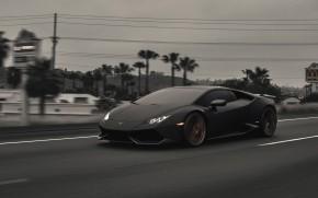 Dark Lamborghini Huracan