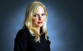 Anna Faris CloseUp wallpaper