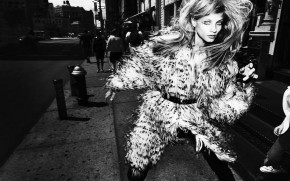 Anna Selezneva Fur Coat wallpaper