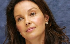 Ashley Judd CloseUp wallpaper