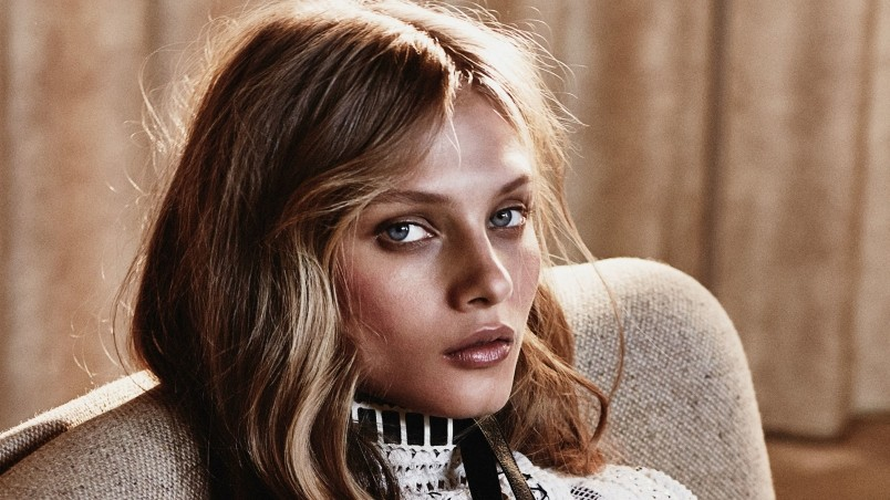 Young Anna Selezneva wallpaper