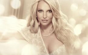 Britney Spears Glamouros