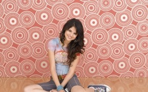 Childish Selena Gomez wallpaper
