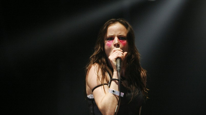 Juliette Lewis Singing wallpaper
