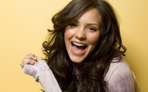 Katharine McPhee Smiling wallpaper