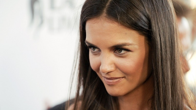 Katie Holmes Close Up wallpaper