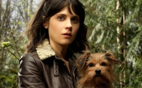Zooey Deschanel Little Dog wallpaper