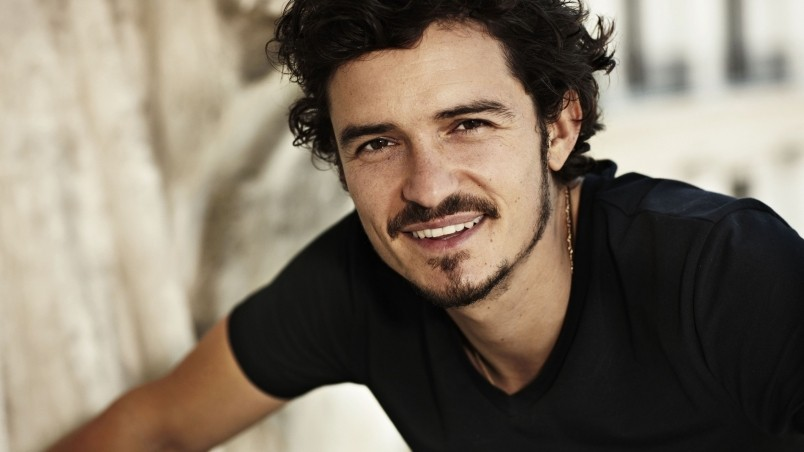 Orlando Bloom Smile wallpaper
