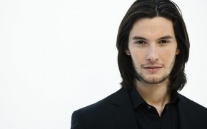 Ben Barnes Close Up wallpaper