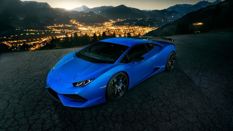blue lamborghini huracan wallpaper