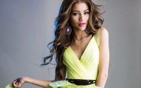 Zendaya Photo Shooting wallpaper