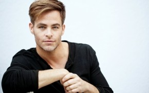 Chris Pine Cool Style wallpaper
