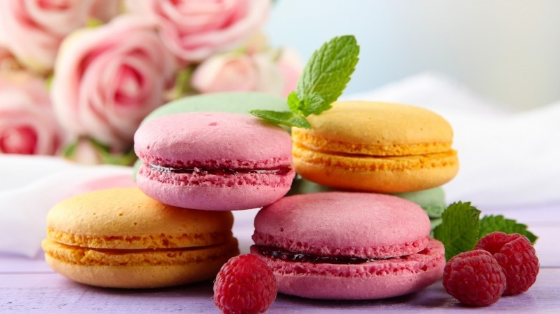 Tasty Macaroons wallpaper