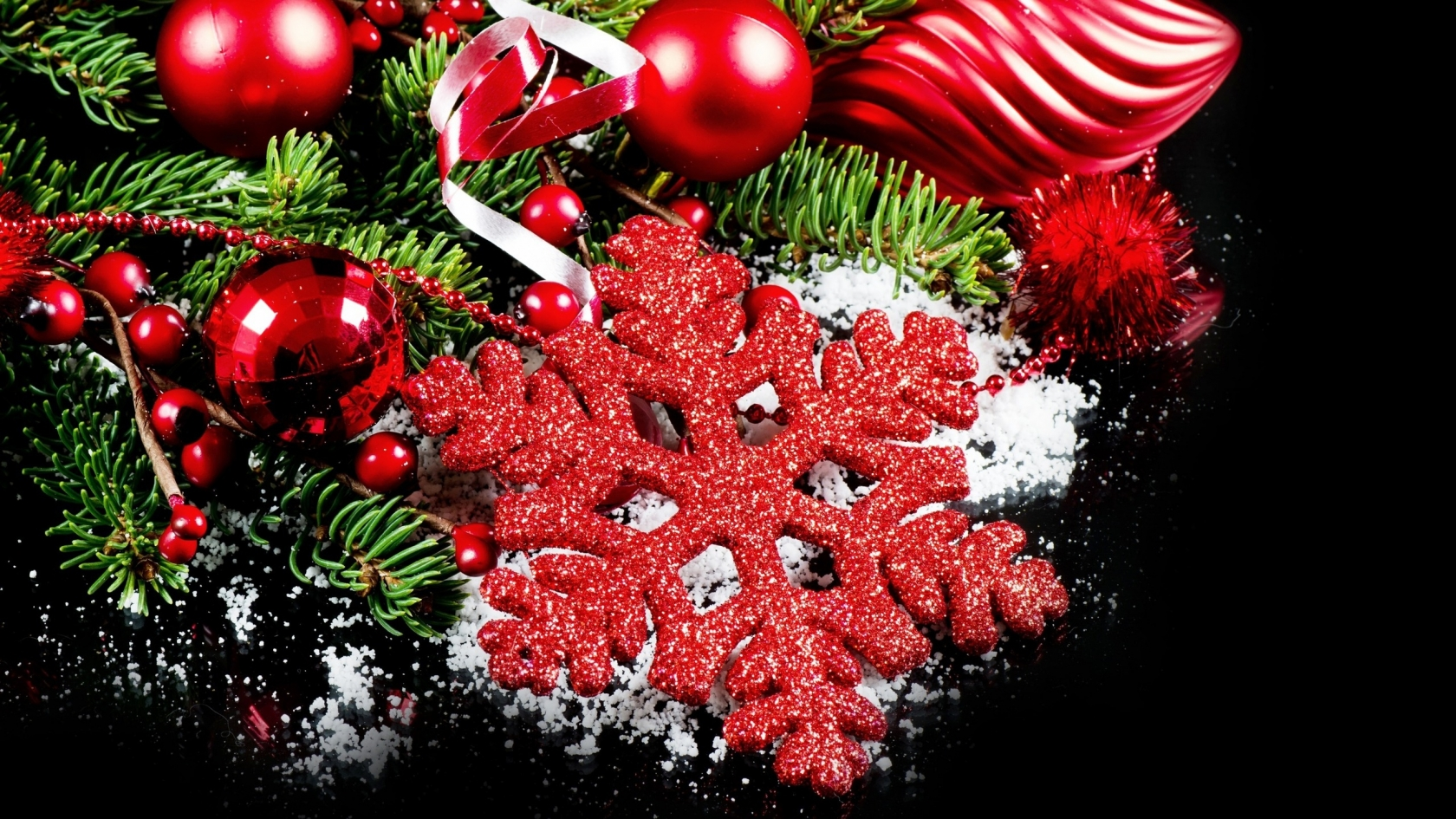2014 Beautiful Christmas Decorations  for 1680 x 945 HDTV resolution