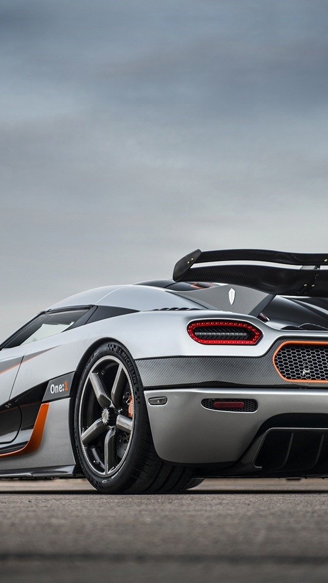 2014 Koenigsegg Agera One for 640 x 1136 iPhone 5 resolution