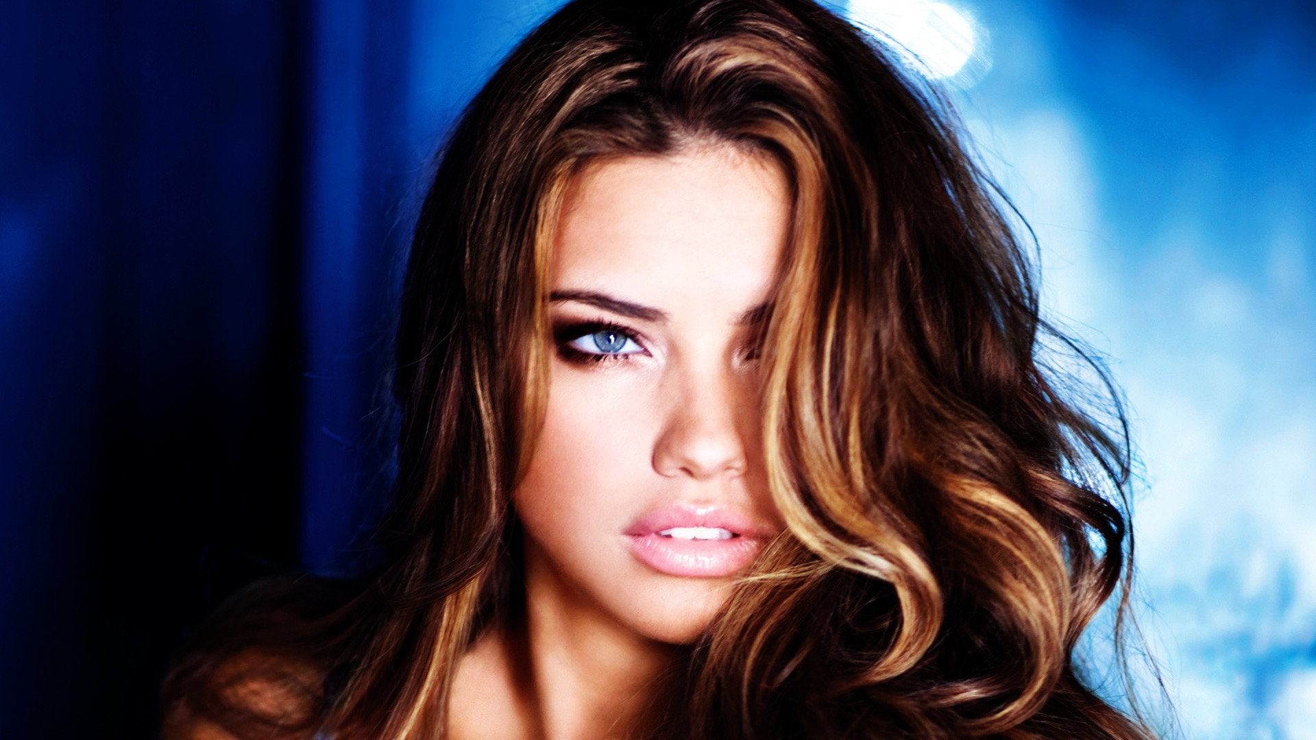 Adriana Lima Style for 1920 x 1080 HDTV 1080p resolution