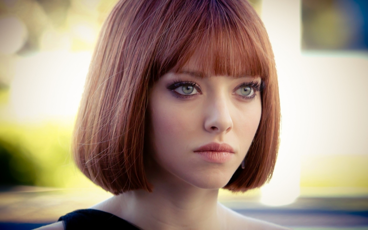Amanda Seyfried In Time for 1280 x 800 widescreen resolution