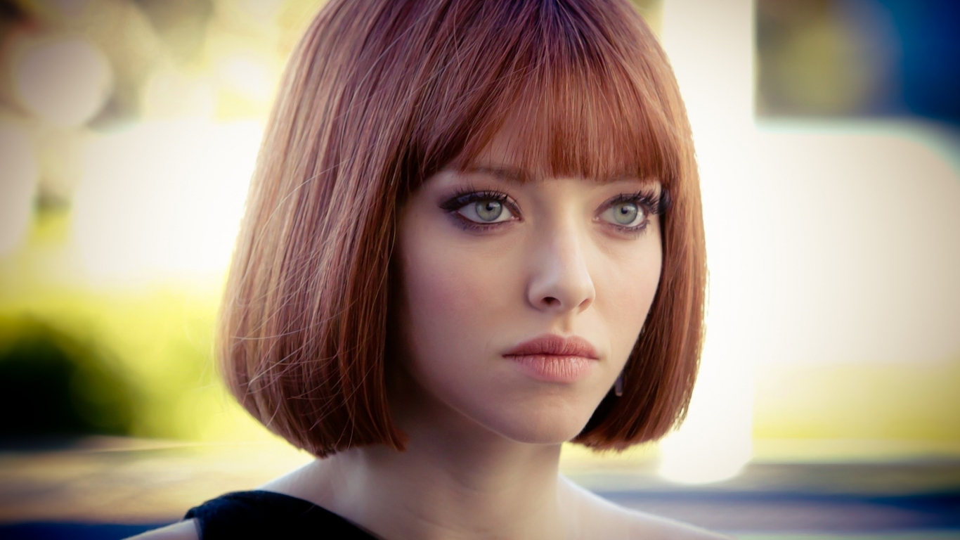 Amanda Seyfried In Time for 1366 x 768 HDTV resolution