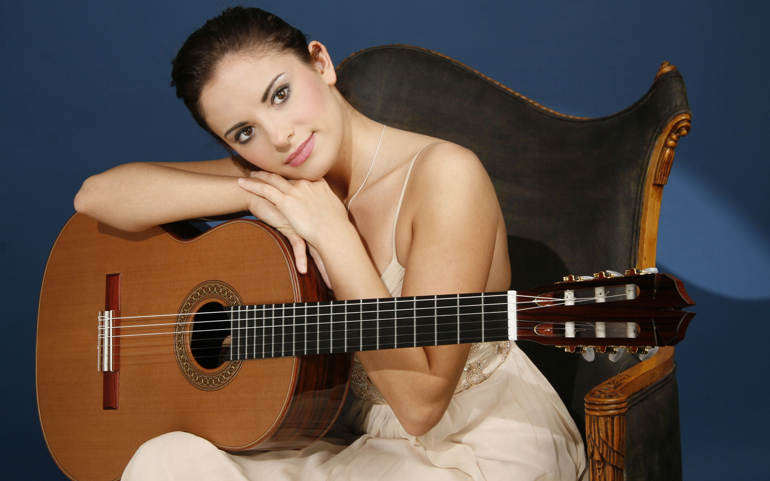 Ana Vidovic Guitar for 2560 x 1600 widescreen resolution
