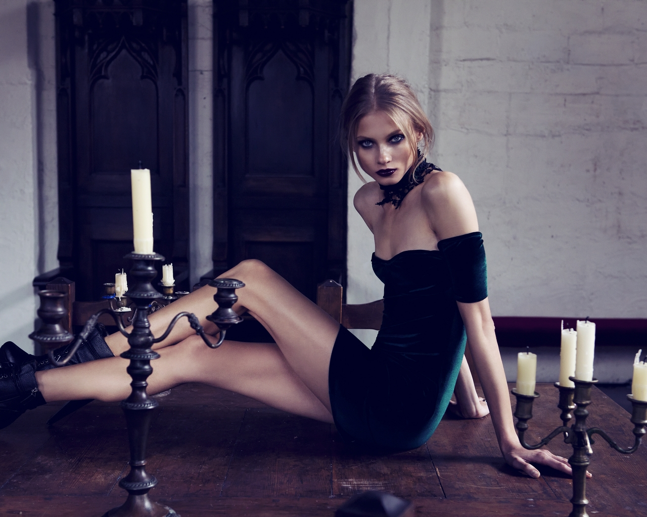 Anna Selezneva Dark Lipstick for 1280 x 1024 resolution