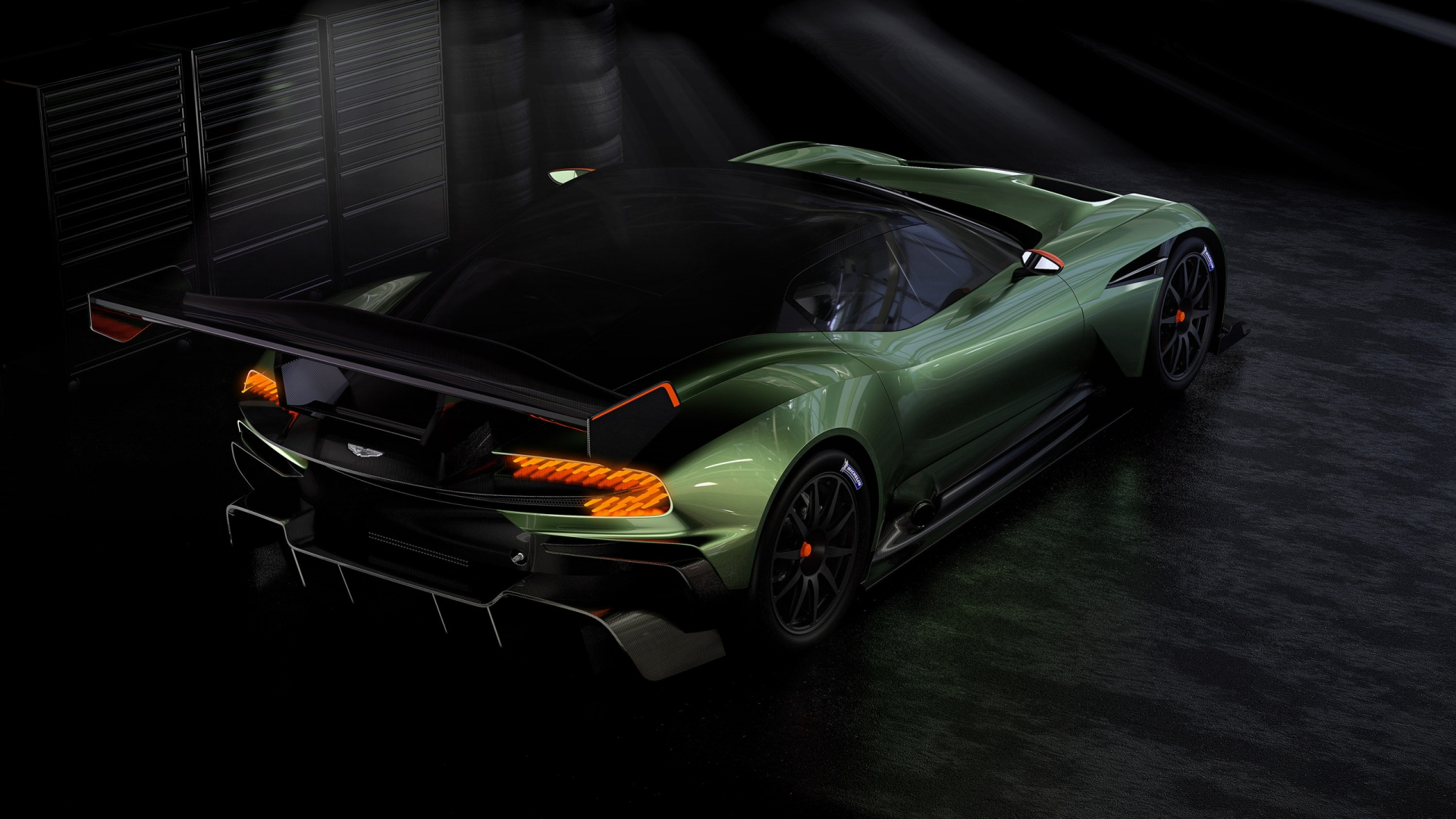 Aston Martin Vulcan суперкар бесплатно